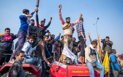 Ribuan Petani di India Blokade Jalan-jalan Utama