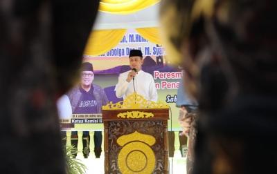 Ijeck Resmikan Pembangunan Masjid Nurul Iman Sibolga