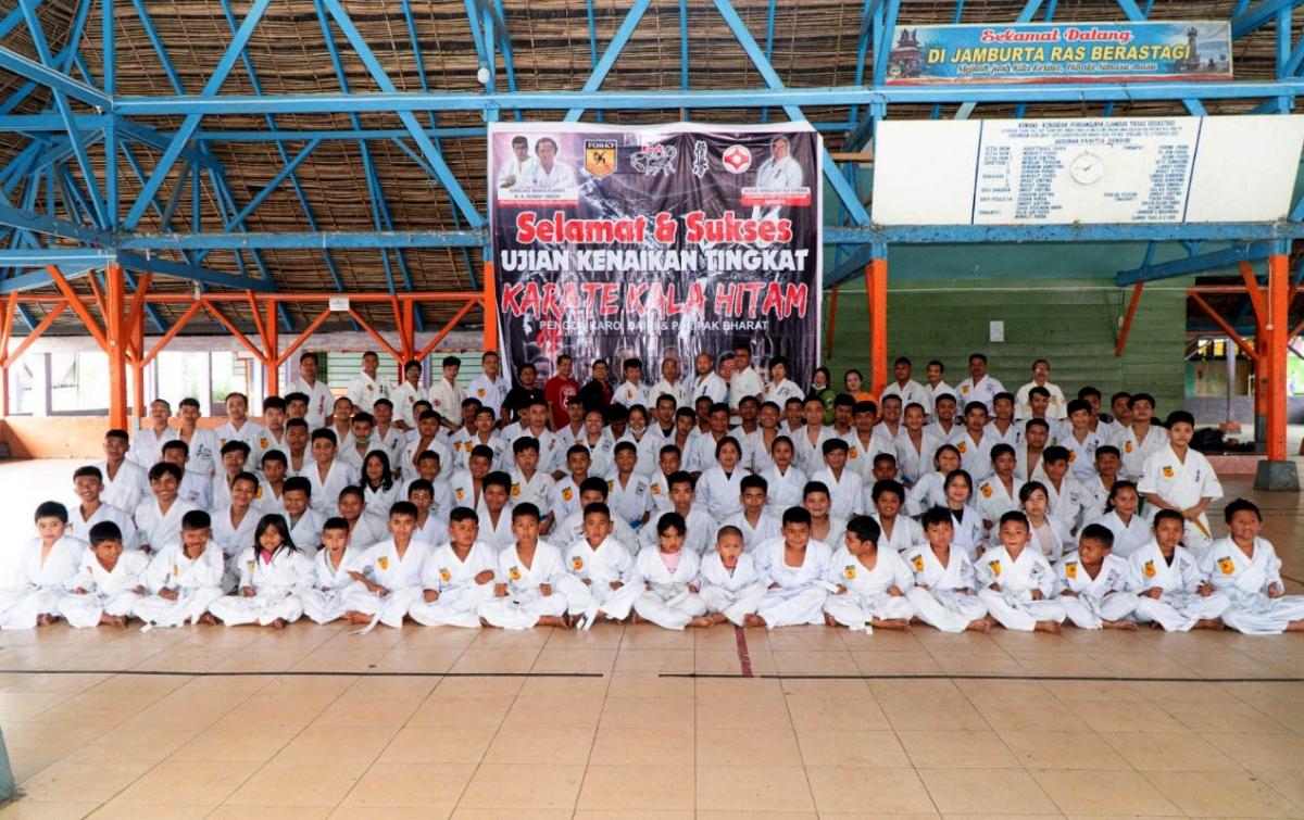Seratusan Karateka Perguruan Kala Hitam Ikuti UKT