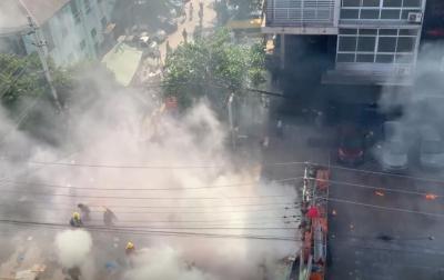 Kerusuhan Myanmar, Relawan Palang Merah Terluka