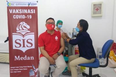 SIS Medan Laksanakan Vaksinasi Covid-19
