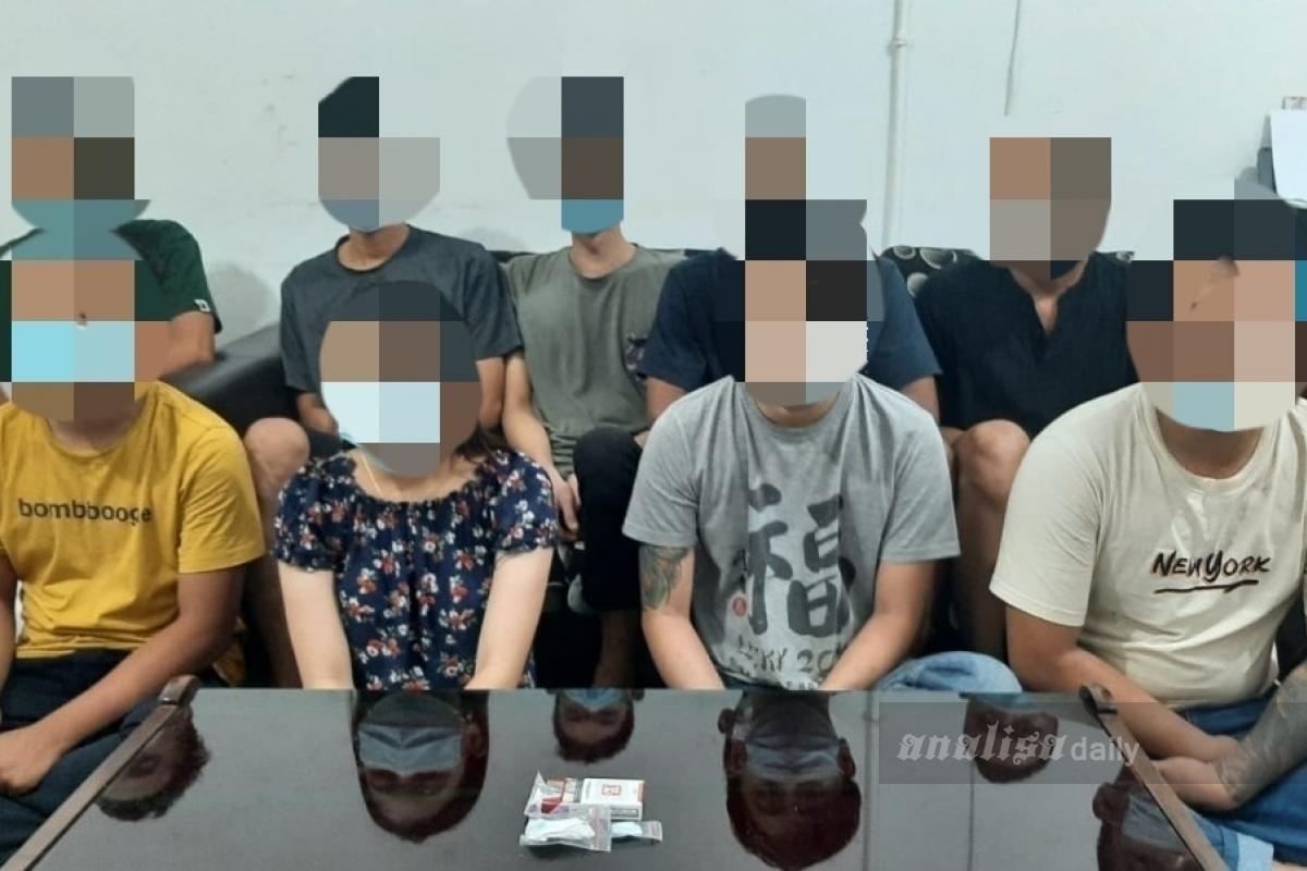 Pesta Narkoba Sambil Tari Seksi, Sembilan Orang Diringkus Polisi