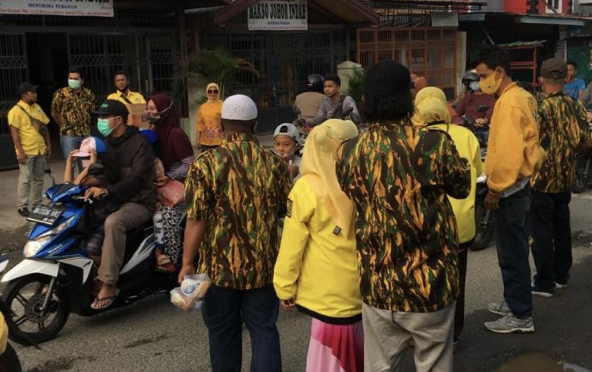 Ramadan 1442 Hijriah, AMPG Medan Johor Berbagi Takjil ke Masyarakat