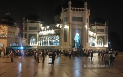 Salat Tarawih Pertama di Masjid Raya Al-Mahsun Dipadati Jamaah