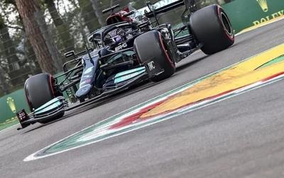 Lewis Hamilton Pimpin Starting Grid di Imola