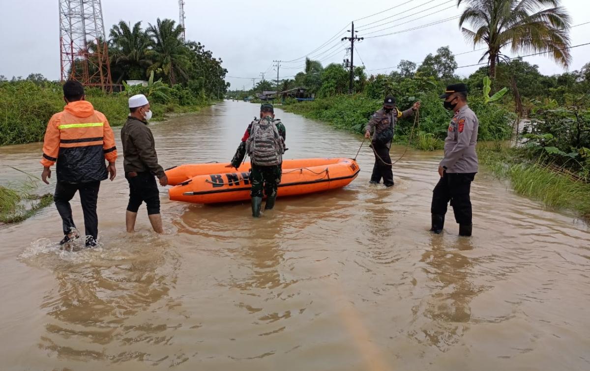 Banjir Hingga 3 Meter Kepung 17 Desa di Aceh Singkil