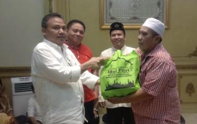 Parpaluta Serahkan Paket Sembako untuk Warga Kurang Mampu
