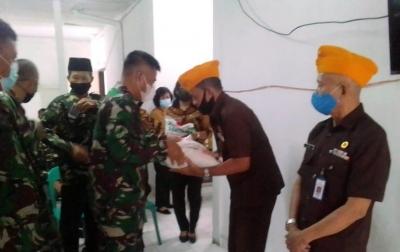 Kolonel Inf Arie Tri Hedhianto: Pemberian Tali Asih Sebagai Rangka Silaturahmi