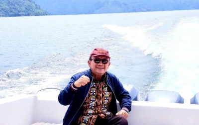 RE Nainggolan: Polemik Gubsu dan Walikota Dinamika Bapak Anak