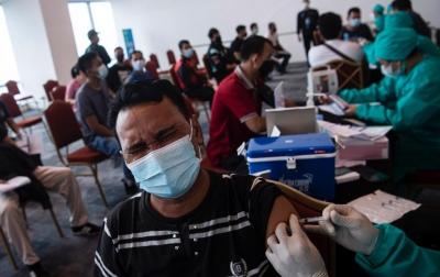 13 Juta Jiwa di Indonesia Telah Menjalani Vaksinasi Covid-19 Dosis Pertama