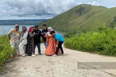 Liburan Idul Fitri, Objek Wisata Holbung dan Bukut Sibea-bea Padat