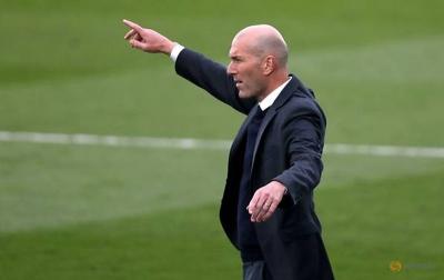 Zidane Mengundurkan Diri Karena Kurangnya Kepercayaan Klub