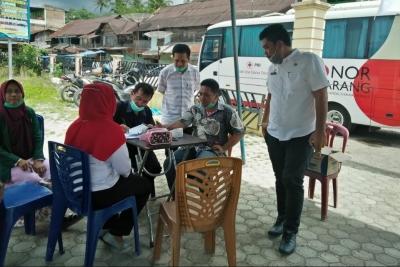 NNB dan Masyarakat Batang Onang Ikuti Donor Darah PMI Paluta