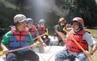 Aksi Bersih Sungai Babura Peringati Hari Lingkungan Hidup Sedunia