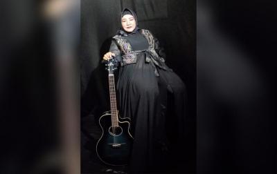 Eva Sey Rampungkan Video Klip Rindu