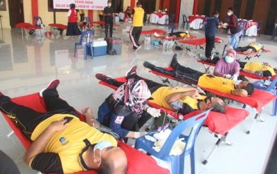 Polresta Deli Serdang Gelar Donor Darah Untuk Kemanusiaan