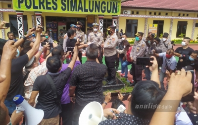 Demo Mapolres Simalungun, Ratusan Jurnalis Tuntut Pengungkapan Kasus Marsal
