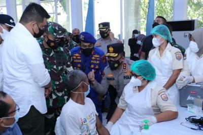 Polda Sumut Langsungkan Vaksinasi Massal, Kota Medan Sudah Capai Target