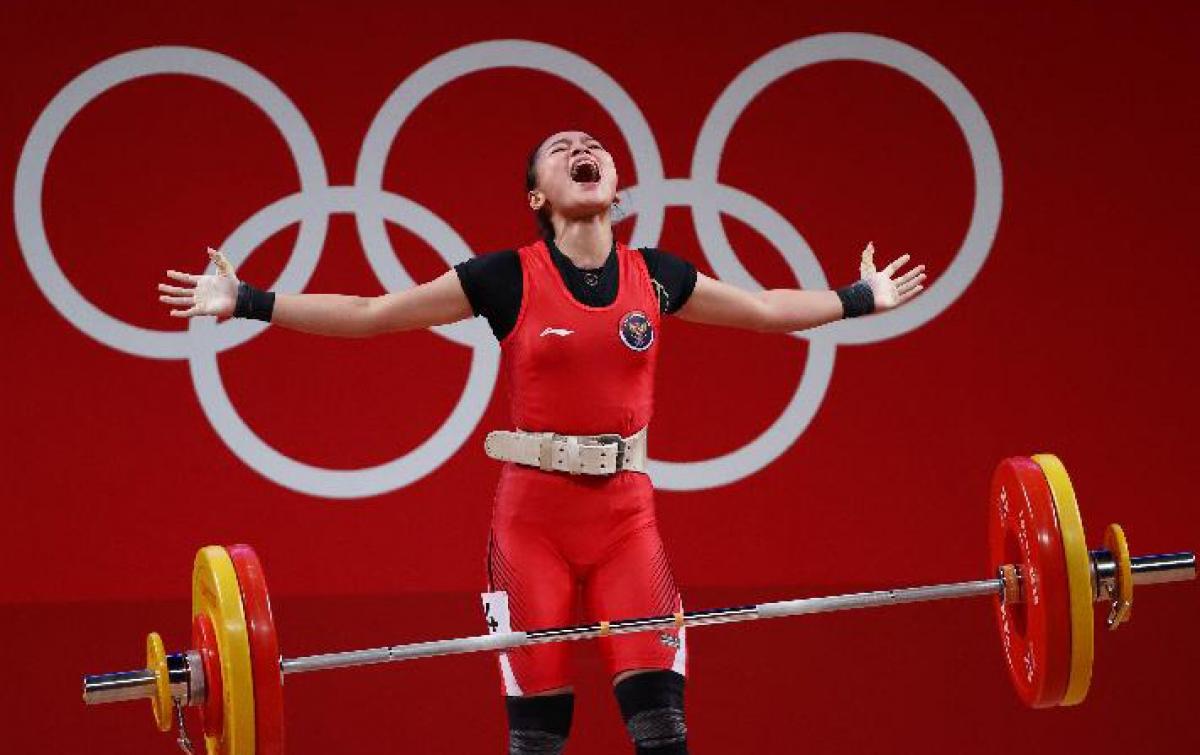 Angkat Besi Olimpiade Tokyo: Windy Cantika Persembahkan Medali Pertama untuk Indonesia