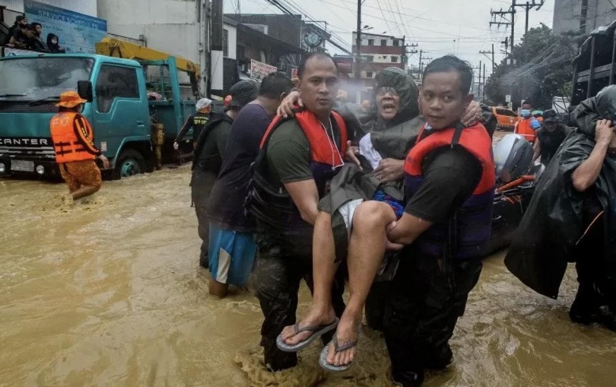 Manila Dilanda Banjir, Ribuan Orang Diungsikan