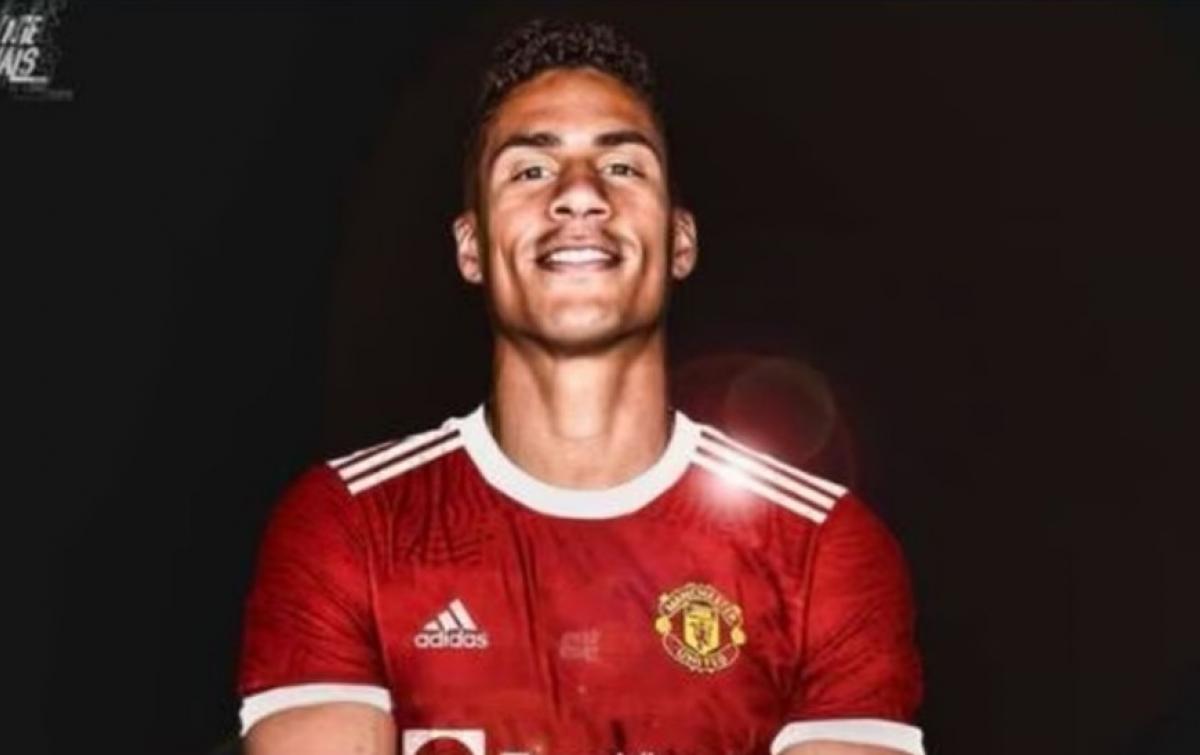 Manchester United Belum Tetapkan Jadwal Varane Jalani Tes Medis