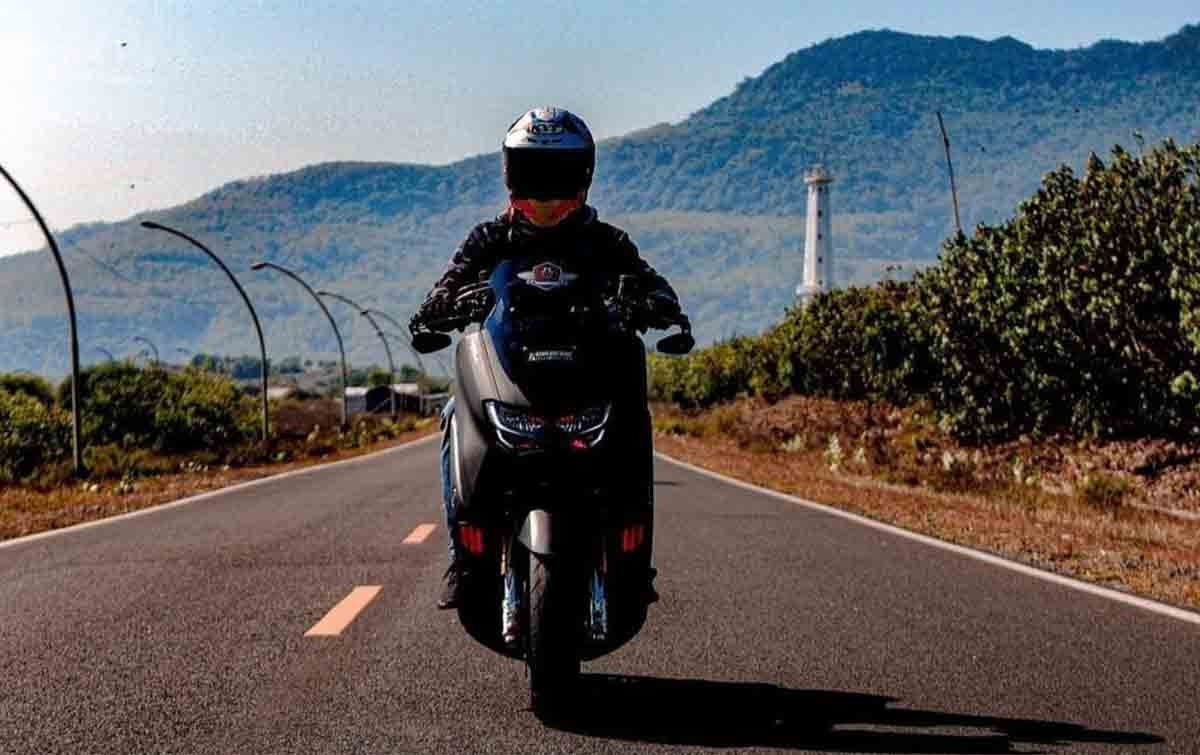 Bimo Berikan Tips Riding Irit Bersama Yamaha All New NMAX 155 Connected