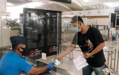 Penumpang Pesawat di KNIA Wajib Tunjukkan Sertifikat Vaksin