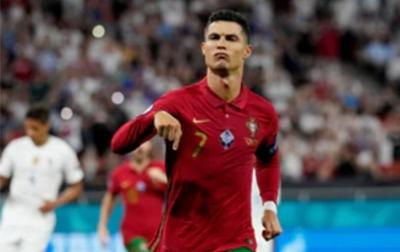 Ronaldo Lebih Memilih PSG Ketimbang MU