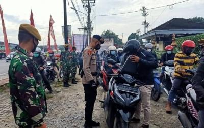 PPKM Darurat, Personel Gabungan Putar Balik Pengendara yang Menyalahi Aturan