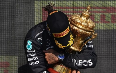 Verstappen: Hamilton Tidak Sopan dan Tidak Sportif