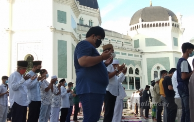 Jamaah yang Salat Ied di Masjid Al-Mahsun Alami Penurunan