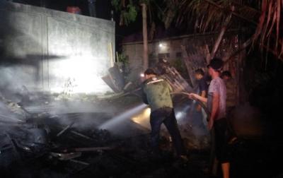 1 Unit Rumah Warga di Jalan Almuhajirin Sibuhuan Hangus Terbakar