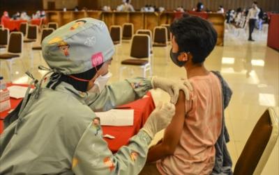 Kasus Covid-19 di Luar Pulau Jawa Meningkat