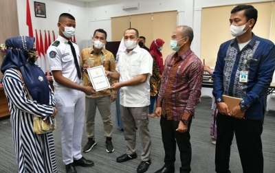 Bupati Lepas Paskibraka Provinsi Sumut Perwakilan Batubara