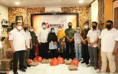Bawaslu Sumatera Utara Bantu Warga Terdampak PPKM