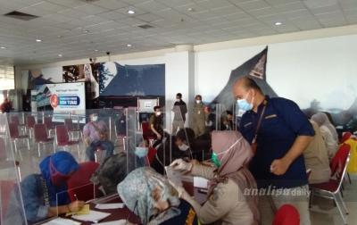 134 PMI dari Malaysia Tiba di KNIA