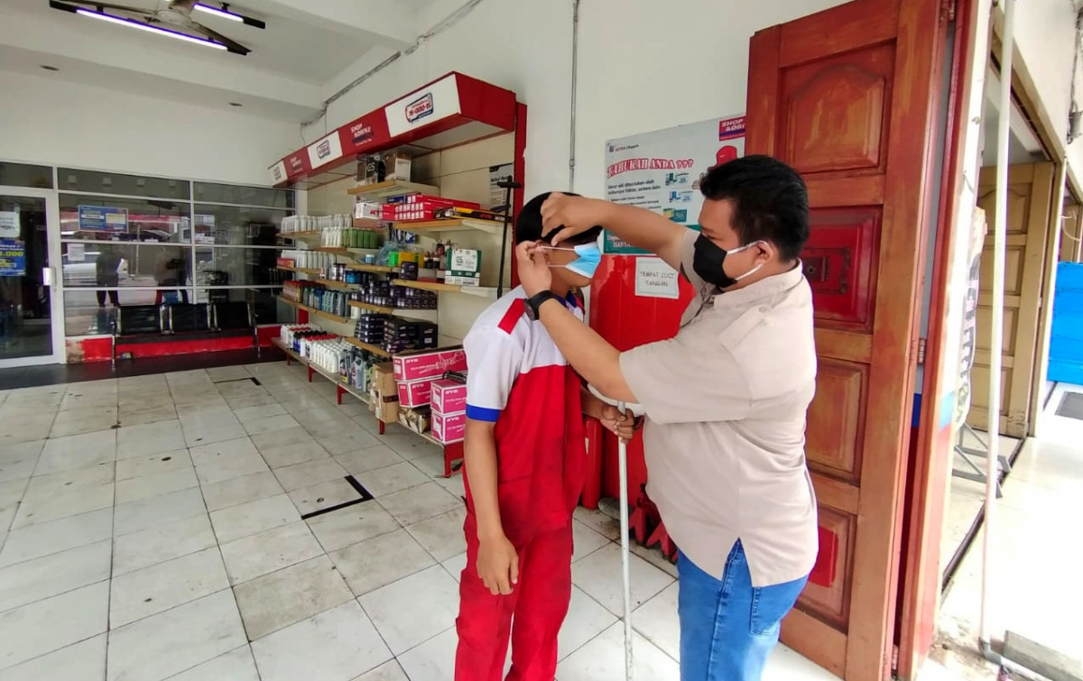 Komunitas CreaM Bagikan 15.000 Masker di Medan Selayang