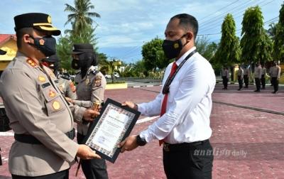 Ungkap Pembunuhan Gajah, 17 Personel Polres Aceh Timur Terima Penghargaan