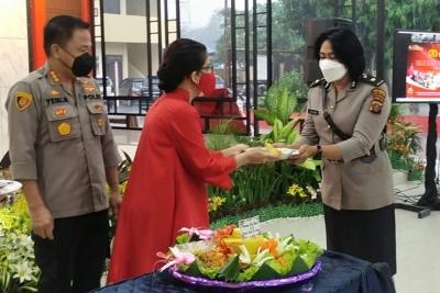 Polwan Harus Jadi Teladan Bagi Polri, Masyarakat dan Keluarga