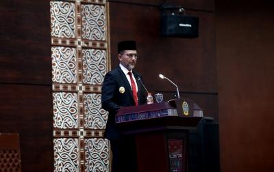Musa Rajekshah Sampaikan Nota Keuangan dan Rancangan P-APBD TA 2021