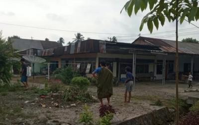Diguncang Gempa, Warga Berhamburan ke Luar Rumah