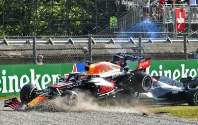 Hamilton, Verstappen Bertabrakan dan Tersingkir dari GP Italia