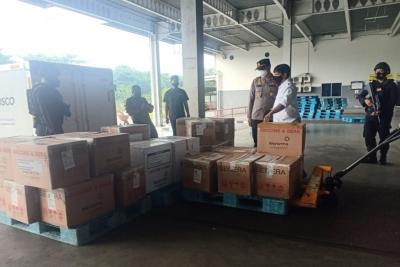 52.610 Botol Vaksin Coronavac 2, AstraZeneca dan Sinovac Tiba di Bandara Kualanamu