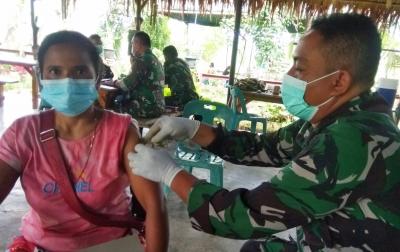 Pelaku Wisata di Sei Bingai Terima Vaksin Tahap Pertama