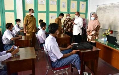 Gubsu Tinjau Vaksinasi Hingga Sekolah Tatap Muka di Siantar dan Simalungun