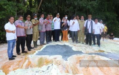 Radiapoh Sinaga Akan Benahi Destinasi Air Panas Tinggi Raja