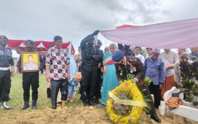 Personel Brimob yang Gugur di Papua Dimakamkan di TMP Aceh Tamiang