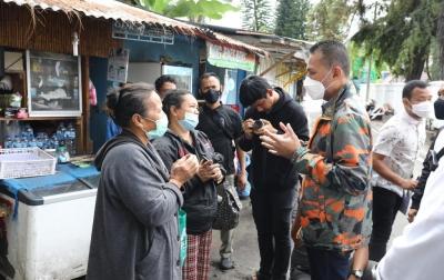 Pedagang Kios Kaki Lima Parapat Mengadu ke Wagub Musa Rajekshah