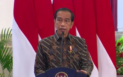 Jokowi Soroti Warga yang Terjerat Pinjaman Online