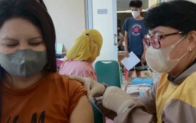 Vaksinasi Covid-19 Dosis Lengkap di Indonesia Capai 57.607.200 Orang
